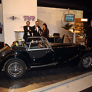 Miljonairfair 2004, stand met dure auto