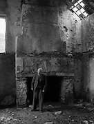 01/02/1957<br /> 02/01/1957<br /> 01 February 1957<br /> View of ruin near Bantry, probably near tunnel, Co. Cork.