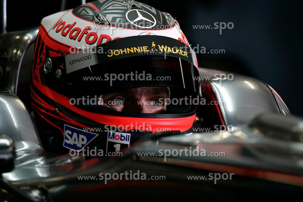 Motorsports / Formula 1: World Championship 2009, tests in Portimao, Algarve, Heikki Kovalainen (FIN, Vodafone McLaren Mercedes),   exclusive photoshooting, exklusives, exklusiv, fotoshooting,   copyright: SPORTIDA / HOCH ZWEI / Juergen Tap