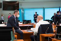 DEU, Deutschland, Germany, Berlin, 02.06.2021: Bundesaussenminister Heiko Maas (SPD) und Bundeswirtschaftsminister Peter Altmaier (CDU) vor Beginn der 144. Kabinettsitzung im Bundeskanzleramt.