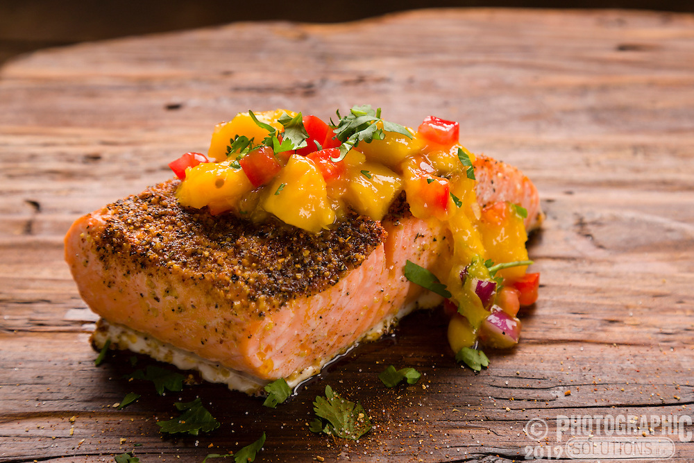 Grilled salmon with mango pepper chutney