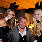 NLD/Amsterdam/20111006 - Lancering Playboy met Amanda Krabbe, Dennis van Tellingen met 2 Playmates