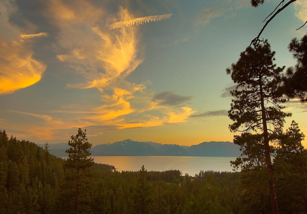 Lake Tahoe Landscape Sunset Clouds Lake Tahoe