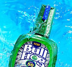 Bullfrog Sunscreen Spray in Water