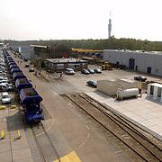 NLD/Hilversum/20060503 - HM de Koninging Beatrix opent de langste natuurbrug ter wereld : Natuurbrug Zanderij Crailo in Hilversum, terrein van Prorail