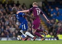 Football - 2017 / 2018 Premier League - Chelsea vs Manchester City<br /> <br /> Kevin De Bruyne (Manchester City) pulls back Ngolo Kante (Chelsea FC) at Stamford Bridge <br /> <br /> COLORSPORT/DANIEL BEARHAM