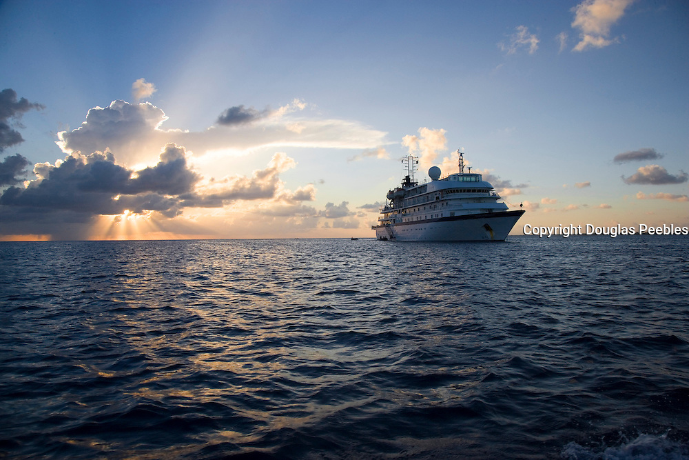 Cruisewest, Spirit of Oceanus, South Pacific, (Editorial use only)<br />