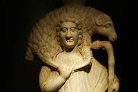 Egypte, la côte méditerranéenne, Alexandrie, la bibliothèque Alexandrina. Musee archeologique. Statue de marbre d'un berger. // Egypt, Alexandria, Alexandrina Library. Archeological museum. Marble statue of a shepherd.