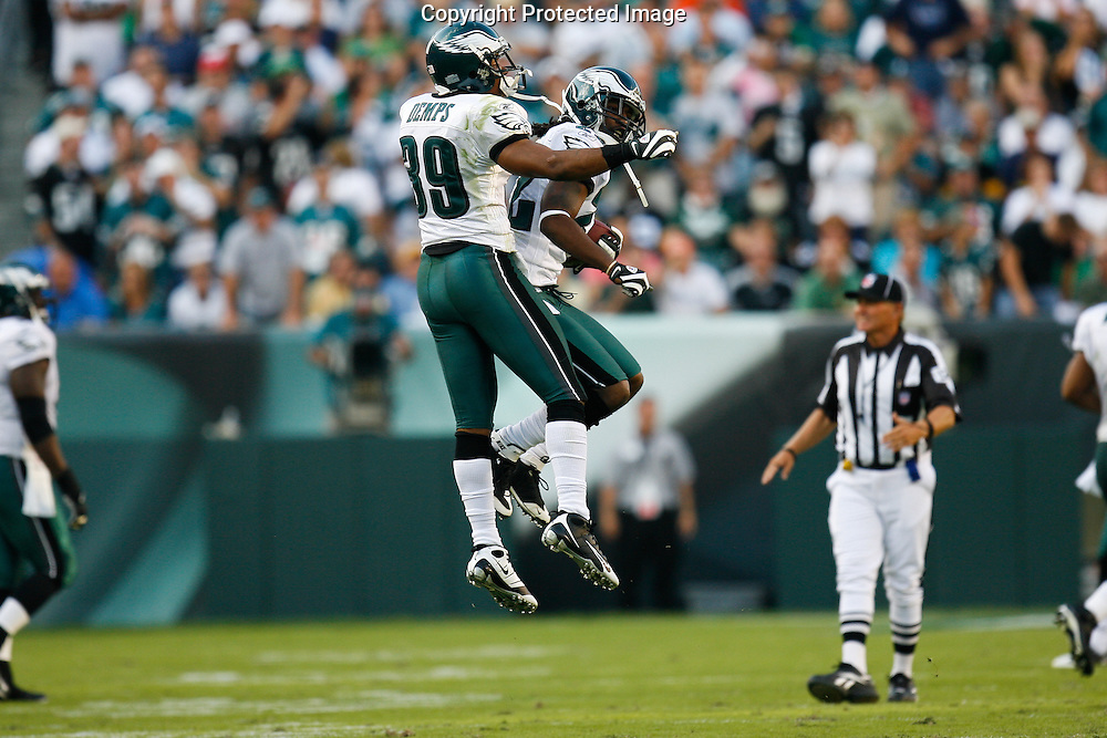 21 Sept 2008: Philadelphia Eagles defensive back Asante Samuel #22 celebrates an interception with FS Quintin Demps #39 during the game against the Pittsburgh Steelers on September 21st, 2008.  The Eagles won 15-6 at Lincoln Financial Field in Philadelphia Pennsylvania.