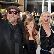 NLD/Amsterdam/20070522 - Premiere Pirates Of The Caribbean 3, Henk Schiffmacher en dochter Texas Schiffmacher en partner Louise van Teylingen