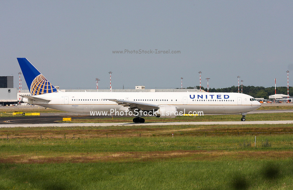 N66051 United Airlines Boeing 767-424(ER) at Milan - Malpensa