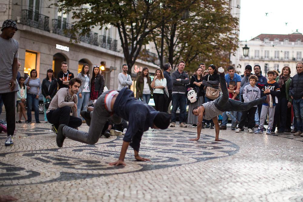 Lisbon, Portugal <br /> Break Dancing.  Street Photographer<br /> San Francisco Photographer   Bay Area Photographer<br /> <br /> Drew Bird Photography<br /> San Francisco Bay Area Photographer<br /> Have Camera. Will Travel. <br /> <br /> www.drewbirdphoto.com<br /> drew@drewbirdphoto.com