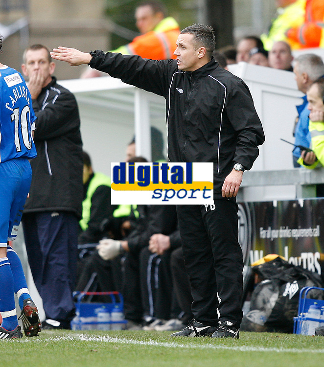 Photo: Steve Bond/Sportsbeat Images.<br />Torquay United v Exeter City. The FA Blue Square Premier. 01/01/2008. Paul Buckle on the touchline
