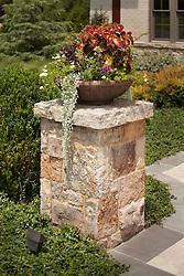 40577_Gretna_Flower_Pot_2_L.jpg