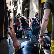 According to statistics of the Barcelona City Council, there are 9,938 legally registered tourist apartments in the city. In 2016, the holiday rental platform Airbnb displayed 9,786 unlicensed ads in Barcelona.