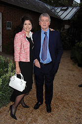 STEPHEN QUINN and KIMBERLEY FORTIER at the annual Cartier Chelsea Flower Show dinner held at the Chelsea Physic Garden on 21st May 2007.<br /><br />NON EXCLUSIVE - WORLD RIGHTS