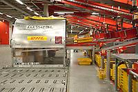 28 MAY 2009, LEIPZIG/GERMANY:<br /> Warehouse Deutsche Post DHL Hub Leipzig, Umschlagplatz fuer Luftfracht, Paketverteilzentrum, Briefverteilzentrum, Luftfrachtdrehkreuz<br /> IMAGE: 20090528-15-018