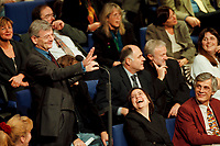 11 NOV 1999, BERLIN/GERMANY:<br /> Joschka Fischer, B90/Grüne, Bundesaußenminister, macht Faxen in den Reihen der bündnis-grünen BT-Fraktion während der Debatte zur ökologischen Steuerreform, Plenum, Deutscher Bundestag, Reichstag<br /> Joschka Fischer, Green Party, Fed. Minister for Foreign Affairs, is making fun between the members of the Green Parliamentary Group, plenum, German Bundestag<br /> IMAGE: 19991111-01/05-25