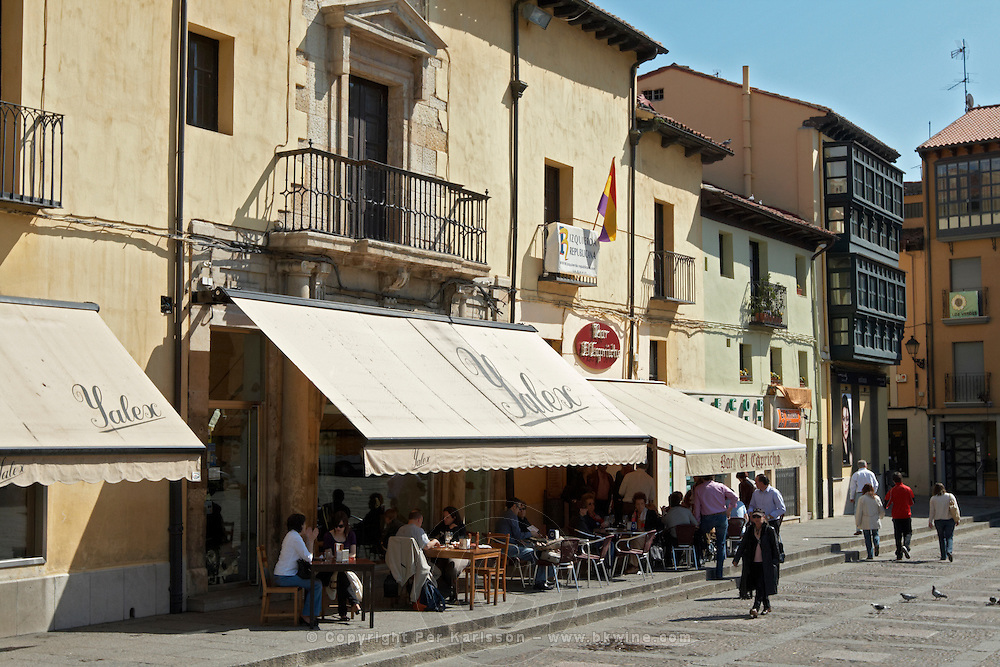 yalex  restaurant terrace , Plaza San Marcelo , Leon spain castile and leon