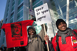 © Licensed to London News Pictures. 30/11/2011. London, UK. Public Sector Strike in Central London. Pickets outside the UCH, University College Hospital, in Euston Road. Photo credit: Bettina Strenske/LNP