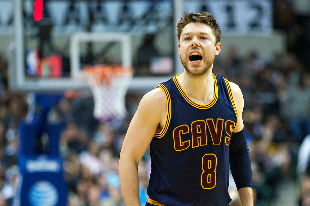 DALLAS, TX - JANUARY 12:  Matthew Dellavedova #8 of the Cleveland Cavaliers yells to his teammates during a game against the Dallas Mavericks at American Airlines Center on January 12, 2016 in Dallas, Texas.  NOTE TO USER: User expressly acknowledges and agrees that, by downloading and or using this photograph, User is consenting to the terms and conditions of the Getty Images License Agreement.  The Cavaliers defeated the Mavericks 110-107.  (Photo by Wesley Hitt/Getty Images) *** Local Caption *** Matthew Dellavedova