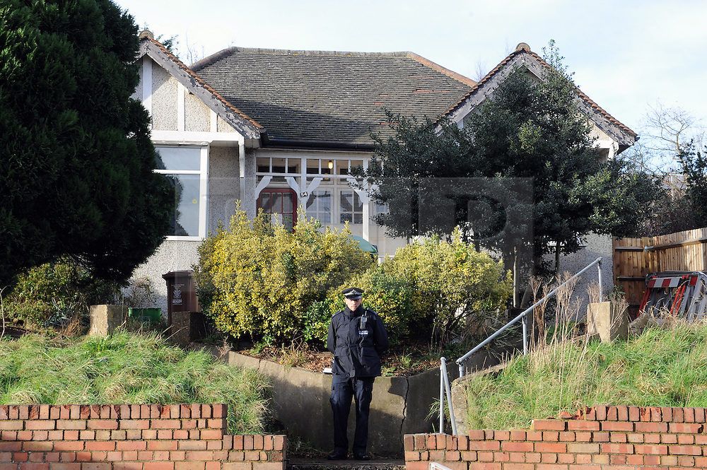 © Licensed to London News Pictures. 05/01/2016<br /> Police at the  property.<br /> Sian Blake's home in Erith,Kent has turned into a crime scene today (05.01.2016) with officers from the Met's Homicide and Major Crime Command leading the search for the missing family.<br /> Police teams at the home of missing EX-EastEnders actress SIAN BLAKE who has been missing along with her Boyfriend and two sons since early December 2015.<br /> (Byline:Grant Falvey/LNP)