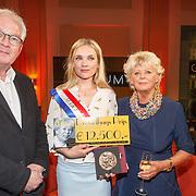 NLD/Amsterdam/20150430 - Uitreiking Mary Dresselhuys Prijs 2015, winnares Anniek Pheifer, Ryclef Rienstra en Petra Laseur