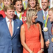 NLD/Den Haag/20160824 - Huldiging sporters Rio 2016, Willem - Alexander en Maxima in gesprek met Ferry Weertman
