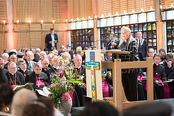 """21 June 2018, Geneva, Switzerland: On 21 June 2018, the World Council of Churches receives a visit from Pope Francis of the Roman Catholic Church. Held under the theme of """"Ecumenical Pilgrimage - Walking, Praying and Working Together"""", the landmark visit is a centrepiece of the ecumenical commemoration of the WCC's 70th anniversary. The visit is only the third by a pope, and the first time that such an occasion was dedicated to visiting the WCC. Here, an ecumenical prayer service with religious leaders from all over the world. Here, word of prayer by Mary Ann Swenson, United Methodist Church, vice moderator of the WCC Central Committee."""