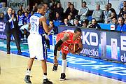 DESCRIZIONE : Cantù Lega A 2012-13 Acqua Vitasnella Cantù EA7Emporio Armani Milano  <br /> GIOCATORE : Keith Langford<br /> CATEGORIA : Fallo<br /> SQUADRA : EA7 Emporio Armani Milano<br /> EVENTO : Campionato Lega A 2013-2014<br /> GARA : Acqua Vitasnella Cantù EA7Emporio Armani Milano <br /> DATA : 23/12/2013<br /> SPORT : Pallacanestro <br /> AUTORE : Agenzia Ciamillo-Castoria/I.Mancini<br /> Galleria : Lega Basket A 2013-2014  <br /> Fotonotizia : Cantù Lega A 2013-2014 Acqua Vitasnella Cantù EA7Emporio Armani  Milano <br /> Predefinita :
