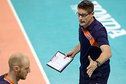 07-06-2014 NED: WLV Nederland - Portugal, Almere<br /> Een moeizame overwinning op Portugal levert Nederland twee punten op / Coach Edwin Benne, Jasper Diefenbach