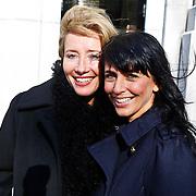 NLD/Den Haag/20101016 - Beatrix bezoekt de tentoonstelling Journey in Den Haag met actrice Emma Thompson, word geinterviewd door Sandra Schuurhof