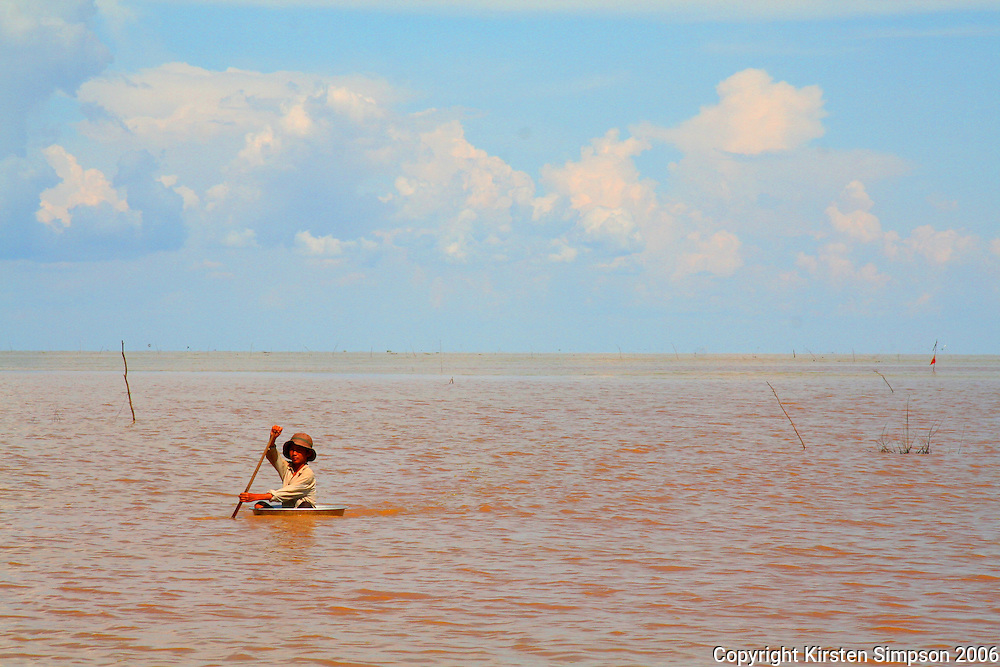 Paddling on Lake Tonle Sap