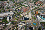 Nederland, Zuid-Holland, Rotterdam, 23-05-2011;.Hofplein in Rotterdam, rechts de Coolsingel  schuin van links beneden naar rechts boven, Weena en Pompenburg. Tunnel van voormalig station Hofplein, met rode daken van nieuwbouwwijk. daarachter het Oude Noorden. Aan de andere kant van de Binnenrotte (r,t) Crooswijk..luchtfoto (toeslag), aerial photo (additional fee required).copyright foto/photo Siebe Swart
