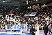 DESCRIZIONE : Bologna Lega A1 2008-09 Fortitudo Bologna Lottomatica Virtus Roma<br /> GIOCATORE : Tifo Tifosi Fan Fans Supporter Supporters<br /> SQUADRA : Fortitudo Bologna<br /> EVENTO : Campionato Lega A1 2008-2009 <br /> GARA : Fortitudo Bologna Lottomatica Virtus Roma<br /> DATA : 18/10/2008 <br /> CATEGORIA : fossa<br /> SPORT : Pallacanestro <br /> AUTORE : Agenzia Ciamillo-Castoria/C.Ruggiero