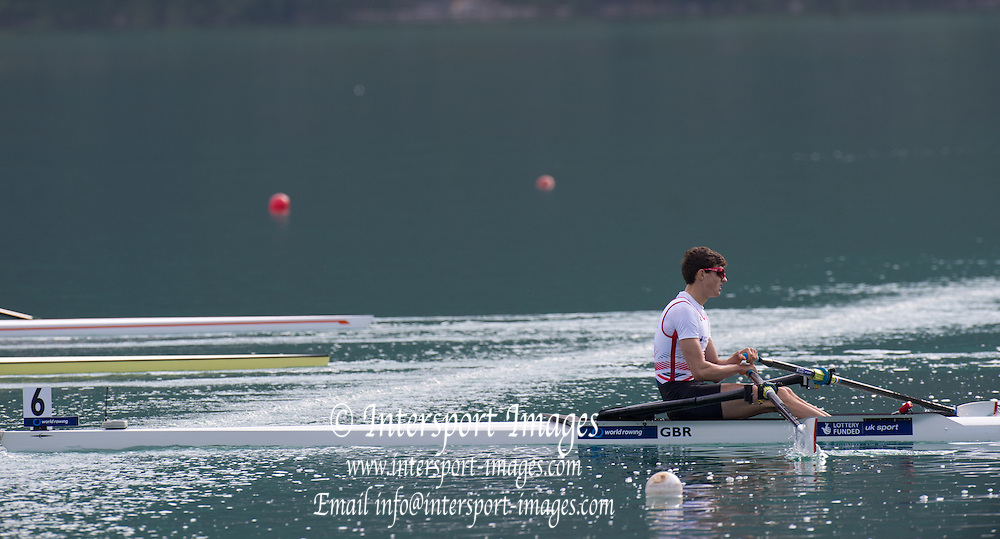 Aiguebelette, FRANCE.  GBR LM1X Zak LEE-GREEN. Sunday Morning B Finals at the  2014 FISA World Cup II, 08:57:22  Sunday  22/06/2014. [Mandatory Credit; Peter Spurrier/Intersport-images]