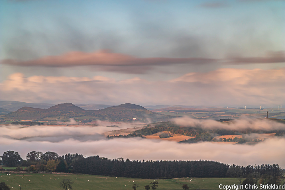 Oxnam, Jedburgh, Scottish Borders, UK. 29th October 2019. Looking north west from Whitton Edge to the Eildon Hills and Peniel Heugh.