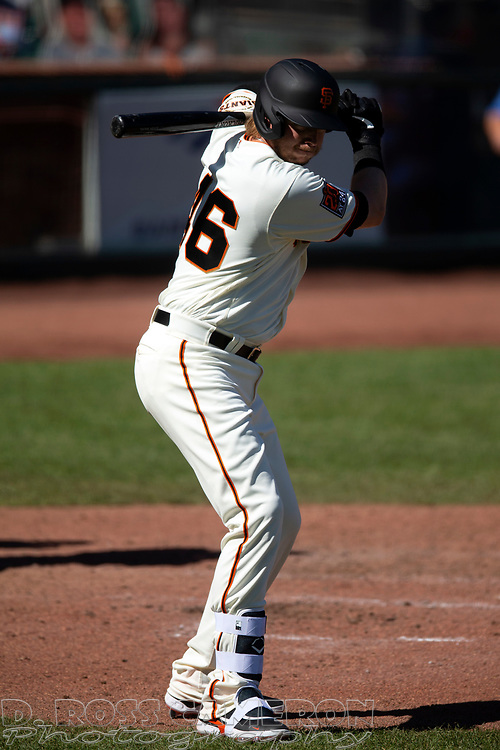 San Francisco Giants pinch hitter Justin Smoak (46) makes his Giants' debut during the sixth inning of a Major League Baseball game against the Seattle Mariners, Thursday, Sept. 17, 2020 in San Francisco. This is a makeup of a postponed game from Wednesday in Seattle. (AP Photo/D. Ross Cameron)