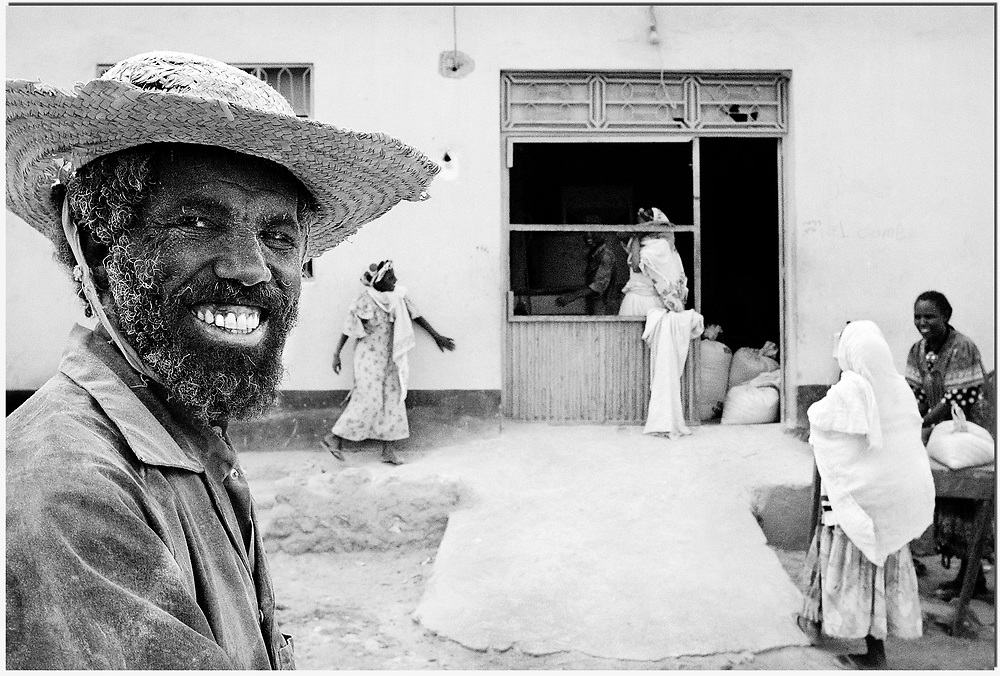 Africa. Eritrea, 21-02-2003. Photo: Patrick Post.   Since the ceasefire was signed between Ethiopia and Eritrea in June 2000; around 180 000 persons have been internally displaced across Eritrea. <br />     A direct consequence of territorial gain by Ethiopia in the last war with Eritrea are camps like this one. Most refugees found in such places are from areas that now belong to Ethiopia, or that are disputed or militarized.     There was some 6000 refugees in the Debub region when these pictures were taken. This camp was located a few km inland from the border with Ethiopia in the demilitarized zone of the central highlands of Eritrea.<br />     In 2003, the organization War Child came to the Southern Region of Eritrea. Their mission aimed at restoring the children's confidence and at learningto deal with emotions.<br />     Still today, the situation remains grim in Eritrea. Thousands of Eritreans flee from the brutal dictatorship in their country. The refugees are trying to reach Israel through the Sinai Desert on the border with Egypt. A dangerous trip since they are targeted for ransoms by a large trafficking network.