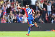 GOAL/CELE - Andros Townsend of Crystal Palace celebrates after scoring from outside the box for his sides 4th goal to make it 4-0. Premier League match, Crystal Palace v Stoke city at Selhurst Park in London on Sunday 18th Sept 2016. pic by John Patrick Fletcher, Andrew Orchard sports photography.