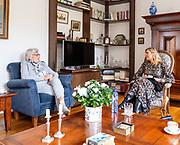 Koningin Máxima tijdens een werkbezoek aan een aantal mantelzorgers en hun naasten in Zwijndrecht, Hendrik-Ido-Ambacht en Ridderkerk. Het bezoek staat in het teken van de impact van de coronamaatregelen op de mantelzorgers, de naasten voor wie zij zorgen en op mantelzorgondersteuners.<br /> <br /> Queen Máxima during a working visit to a number of informal carers and their loved ones in Zwijndrecht, Hendrik-Ido-Ambacht and Ridderkerk. The visit is devoted to the impact of the corona measures on the informal carers, the loved ones they care for and on informal care supporters.