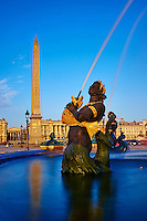 France, Paris (75), zone classée Patrimoine Mondial de l'UNESCO, la fontaine des mers sur la place de la Concorde // France, Paris, Place de la Concorde (Concorde Square), Foutain of the sea