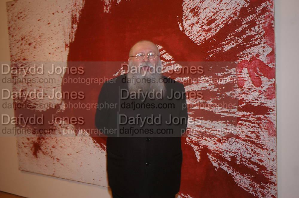 Hermann Nitsch. the Triumph of Painting. Part 1. The Saatchi Gallery. 25 January 2005. ONE TIME USE ONLY - DO NOT ARCHIVE  © Copyright Photograph by Dafydd Jones 66 Stockwell Park Rd. London SW9 0DA Tel 020 7733 0108 www.dafjones.com