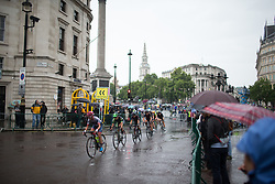 The peloton reaches the Admiralty Arch during the the Prudential Ride London Classique - a 66 km road race, starting and finishing in London on July 29, 2017, in London, United Kingdom. (Photo by Balint Hamvas/Velofocus.com)