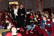 Stichting Het Vergeten Kind organiseert voor de vierde keer een prachtige première voor kwetsbare kinderen uit heel Nederland: 'Het Vergeten Kind Filmfestival'. De kinderen schitteren in een door henzelf gemaakt script met in elke film een gastrol van een ambassadeur of vriend van de stichting.<br /> <br /> Op de foto: Jandino Asporaat en Dinand Woesthoff