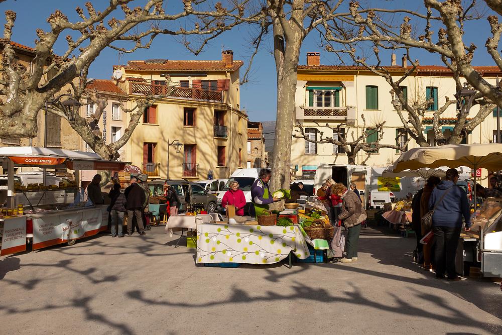 Marché de producteurs à Prades, Pyrenees Orientales, France.