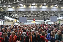 14.05.2010, Messe, Muenchen, GER, Oekt , Vortrag Angela Merkel, im Bild 6000 Besucher beim Vortrag von Angela Merkel, EXPA Pictures © 2010, PhotoCredit: EXPA/ nph/  Straubmeier / SPORTIDA PHOTO AGENCY
