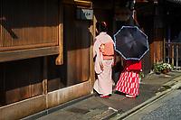 Japon, île de Honshu, région de Kansaï, Kyoto, quartier des Geisha de Kamishichiken // Japan, Honshu island, Kansai region, Kyoto, Geisha at Kamishichiken area