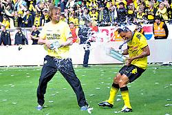 14.05.2011, Signal Iduna Park, Dortmund, GER, 1.FBL, Borussia Dortmund vs Eintracht Frankfurt, im Bild Juergen Klopp (Trainer Dortmund) und Antonio da Silva (Dortmund #32) verpassen sich eine Bierdusche //  during the German 1.Liga Football Match,  Borussia Dortmund vs Eintracht Frankfurt, at the Signal Iduna Park, Dortmund, 14/05/2011 . EXPA Pictures © 2011, PhotoCredit: EXPA/ nph/  Conny Kurth       ****** out of GER / SWE / CRO  / BEL ******