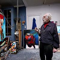 Nederland, Amsterdam , 13 november 2012.<br /> Leo Schatz (Amsterdam, 10 maart 1918) is een Nederlands kunstschilder, tekenaar en dichter.<br /> Leo Schatz (Amsterdam, 10 March 1918) Dutch artist, painter, designer and poet.